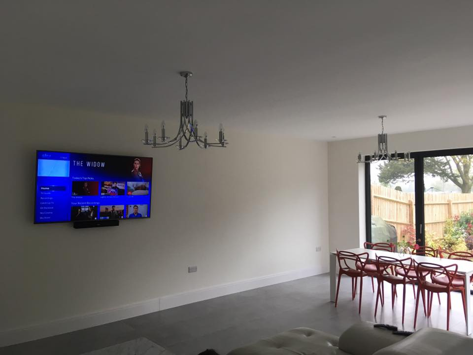 FLAT TV WALL MOUNTING SERVICE IN WORCESTERSHIRE AND SOUTH BIRMINGHAM